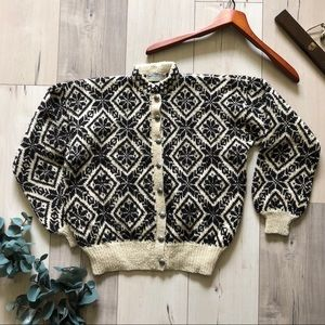 Vintage hand knit Norwegian cardigan sweater